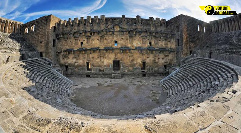 Aspendos Antik Kenti : Tiyatrosu ile ünlü ihtişamlı kent